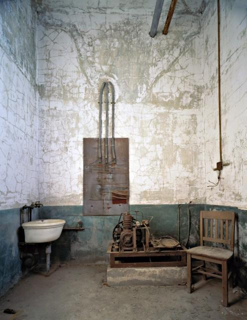 E21 Scrub Room - Stephen WILKES