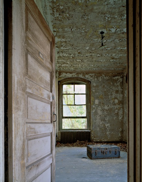 E32 Isolation ward with suitcase - Stephen WILKES