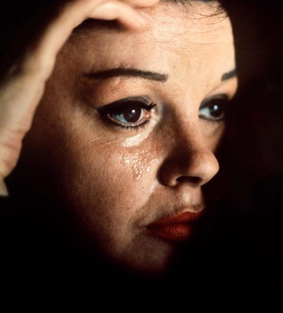 Judy Garland - Douglas KIRKLAND