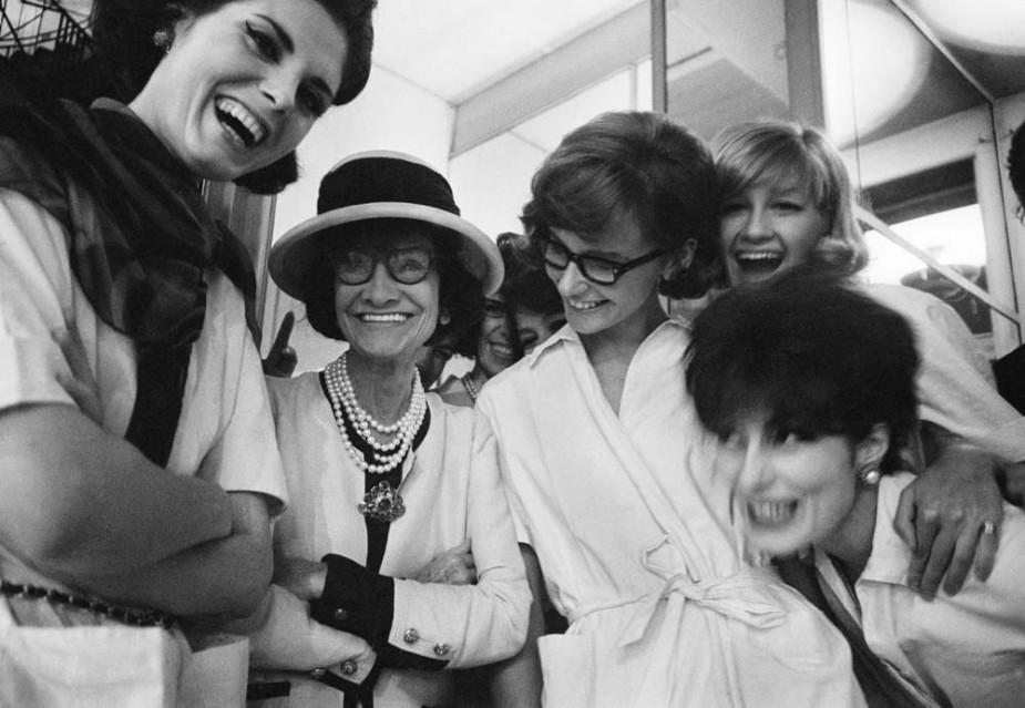 Coco Chanel (roll 49 - frame 35) - Douglas KIRKLAND