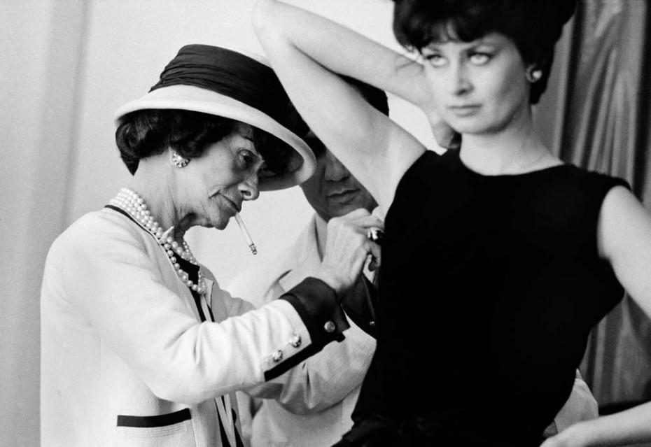 Coco Chanel (roll 23 - frame 14) - Douglas KIRKLAND