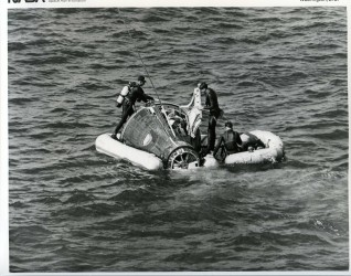 Gemini 6, On water, Recovery Operation (65-H-2277)