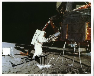 Apollo 12, Alan Bean sur la Lune