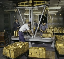 Gold Scales - Federal Reserve Bank of New-York, 1959