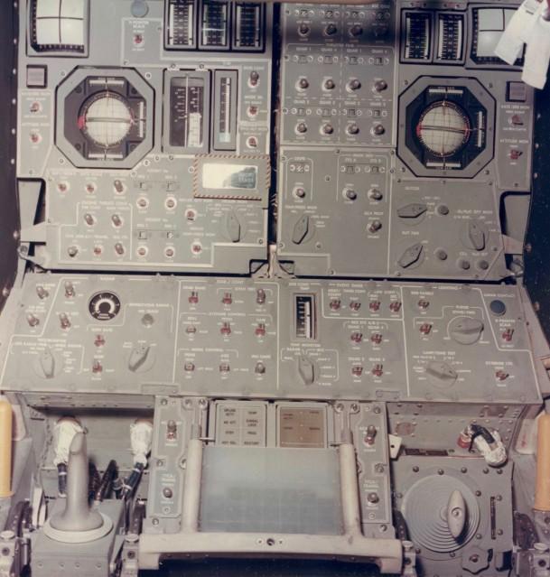 Apollo 11, Intérieur du Module Lunaire  (S-68-54214) - NASA