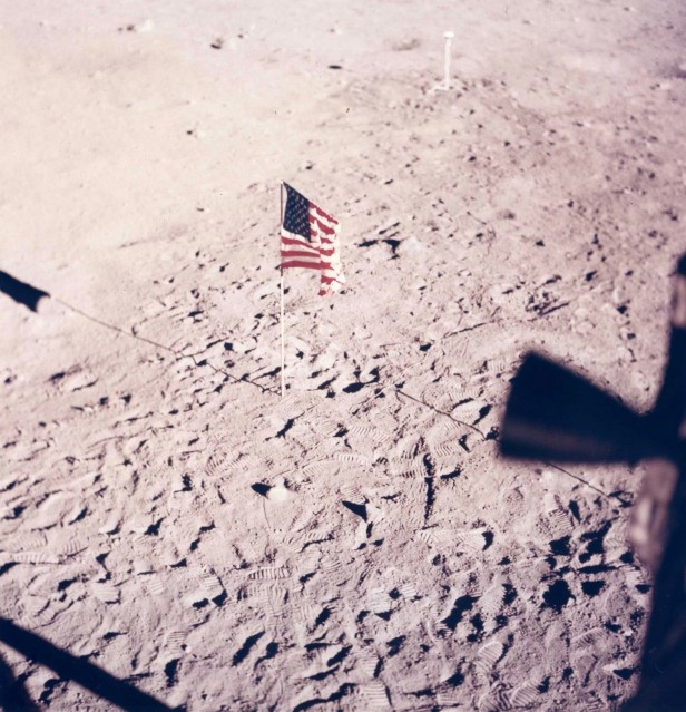 Apollo 11, Drapeau (AS11- 37- 5545) - NASA
