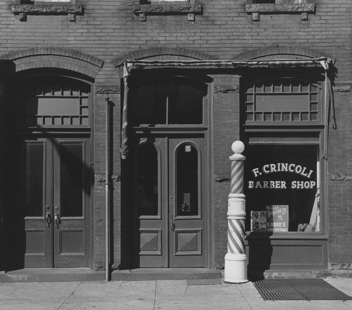 Crincoli's Barber Shop, 1966 - George TICE