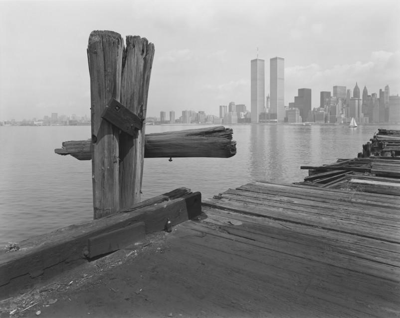 Hudson River Pier, 1979 - George TICE