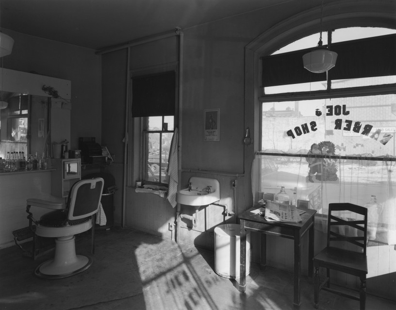 Joe's Barber Shop, 1970 - George TICE