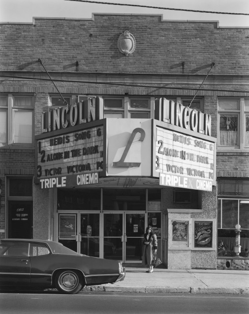 Lincoln Theater, 1982 - George TICE
