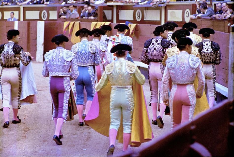 Bullfighter procession, 1952 - Ormond GIGLI
