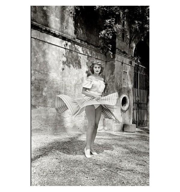 Sophia Loren Twirling, 1955 - Ormond GIGLI