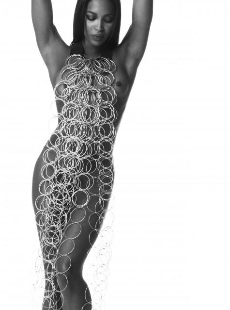 Naomi Campbell, Standing, noir et blanc, 2003 - Douglas KIRKLAND