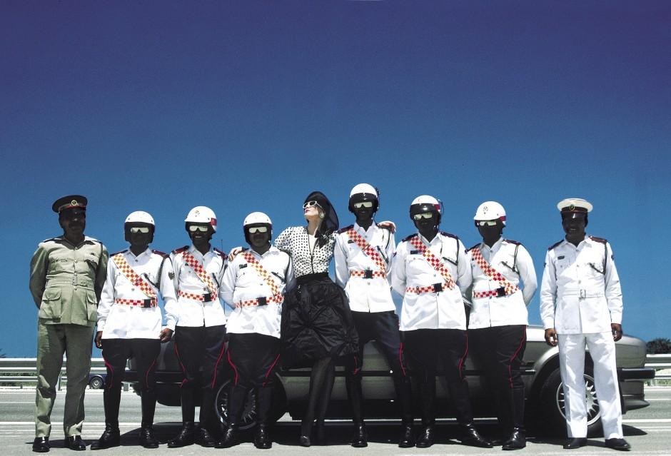Givenchy - Vogue - Policemen - Barhein - Jean-Daniel LORIEUX