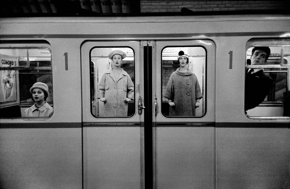 Fashion in the Métro, Paris 1958 - Frank HORVAT