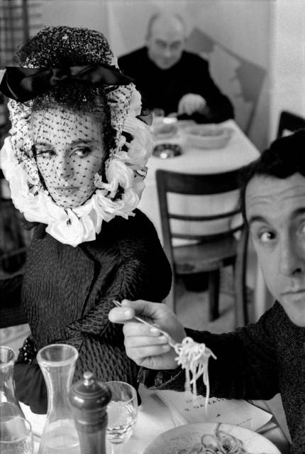 Model with Spaguetti, for Harper's Bazaar, Rome, 1962 - Frank HORVAT
