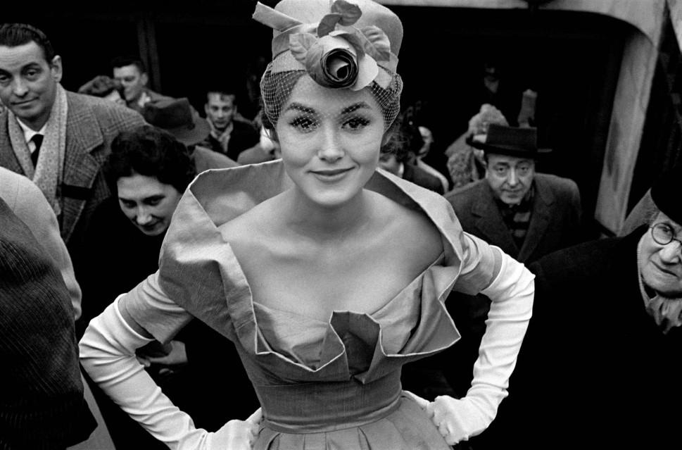 Métro Exit, Monique Dutto, Paris 1959 - Frank HORVAT