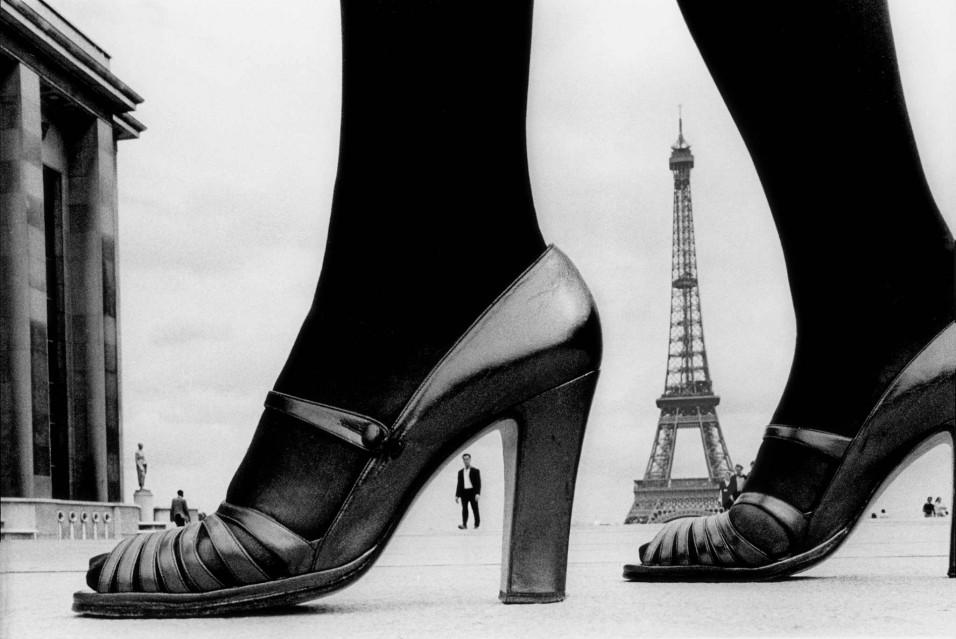 Shoe and Eiffel Tower (A), Paris 1974 - Frank HORVAT
