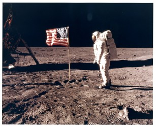 Apollo 11, Buzz Aldrin with the flag of the United States (AS11-40-5874)