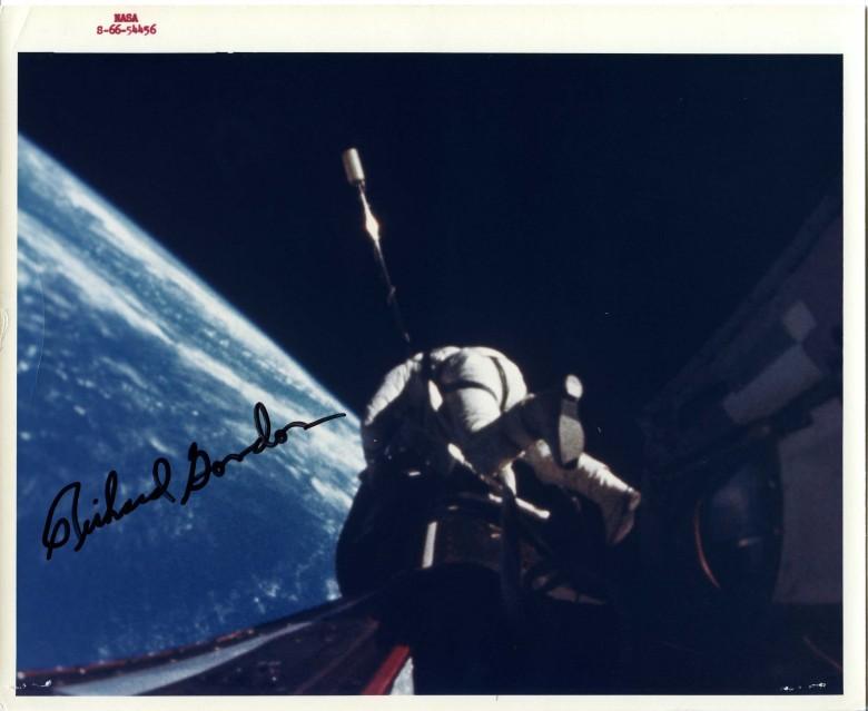 Gemini 11, Richard Gordon, extravehicular activity (EVA) (S-66-54456) - NASA