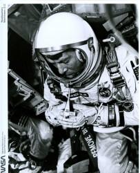 Gemini 6, Walter Schirra (65-H-1754)