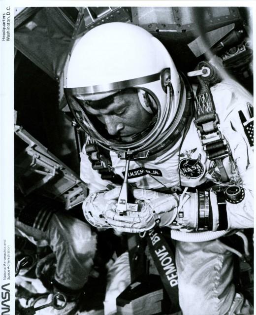Gemini 6, Walter Schirra (65-H-1754) - NASA