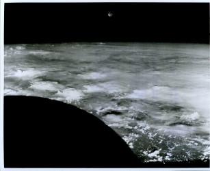 Gemini 7, View of the moon (65-H-2347)