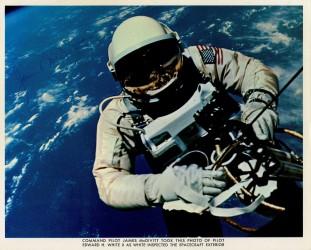 Gemini 4, EVA, Edward White