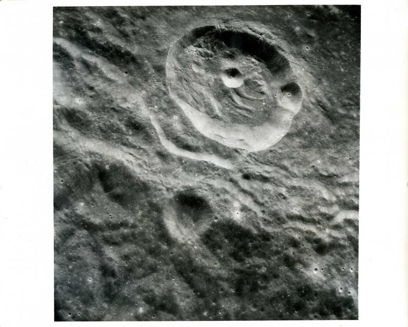 Apollo 8, Orbital photography of the moon (AS08-17-2703) - Apollo