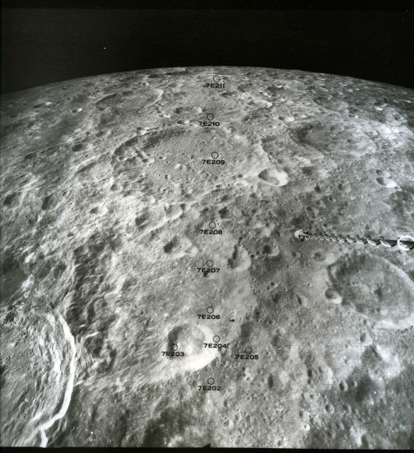 Apollo 16, Itek Panoramic Camera (AS16-M-0752) - NASA