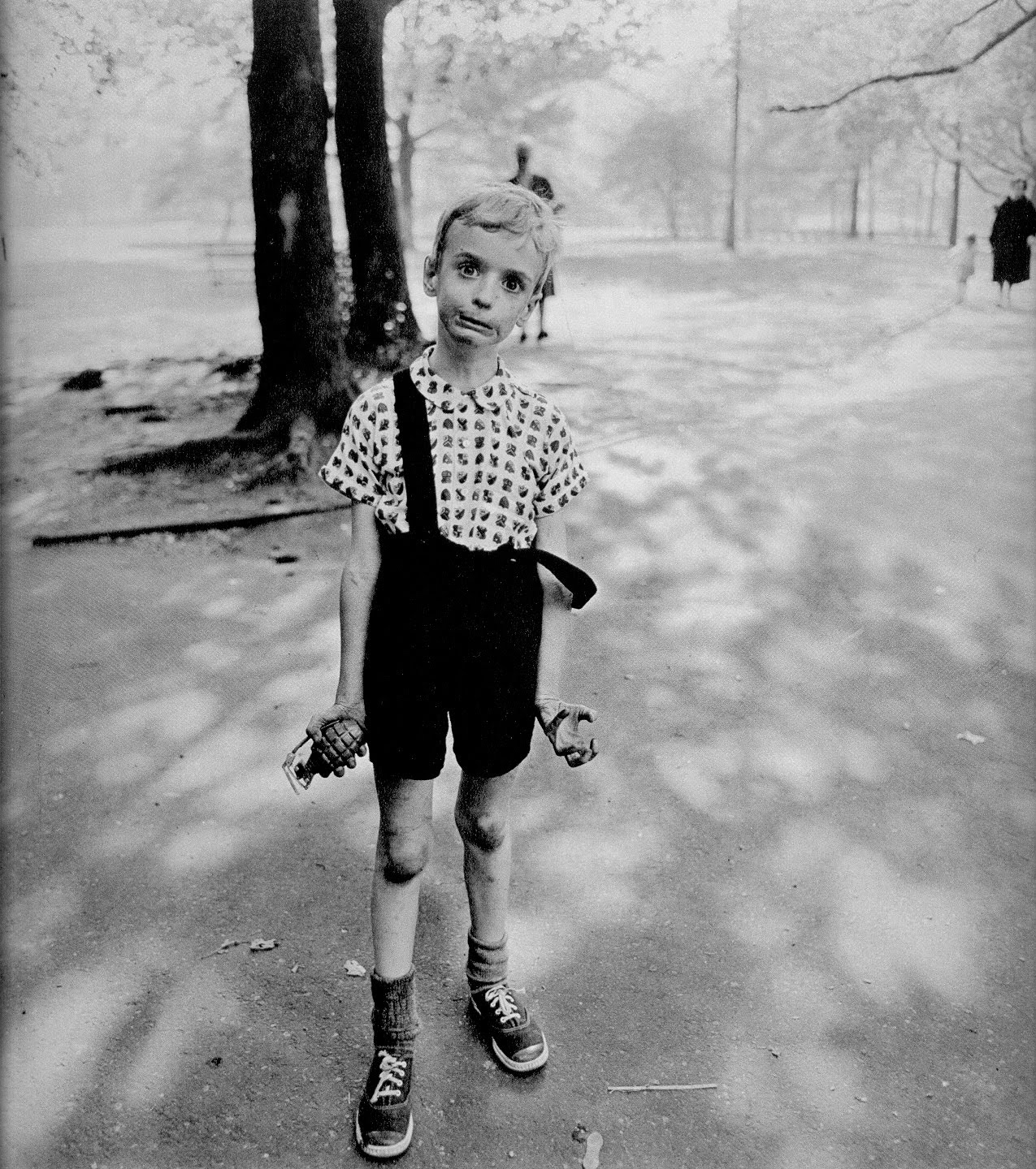 Diane ARBUS, Child With Toy Hand Grenade In Central Park, 1962.