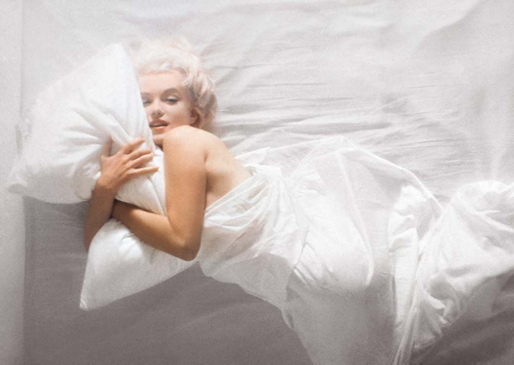 Famous big size photo print of Marilyn Monroe in her bed by Douglas Kirkland.