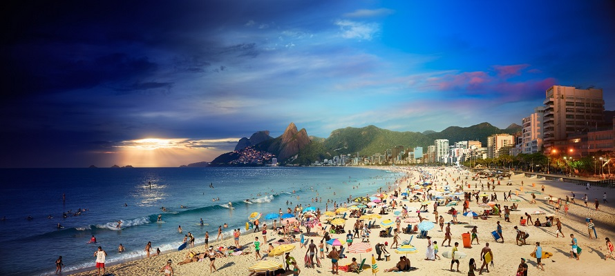 Ipanema Beach photographed by Stephen Wilkes, showing the different hours of the day.