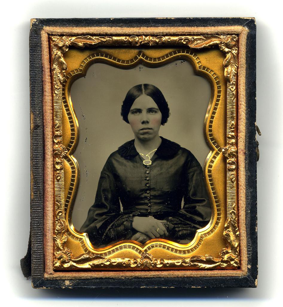 Portrait de Jeune femme, ambrotype, c. 1860-1870